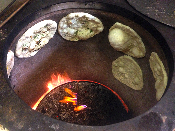 Chlebki Naan z Patelni (Piec Tandori)